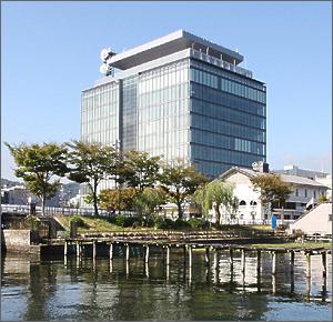 滋賀県警察本部庁舎|ZENITAKA T...